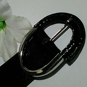 White House Black Market Black faux reptile belt